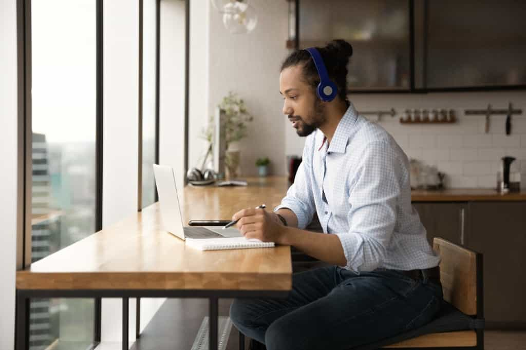 The Pros and Cons of Virtual Health Care and Therapy Sessions